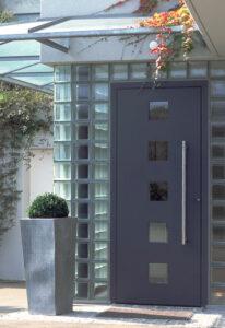 Referenzobjekt Haustüren der Mevo-Fenster AG